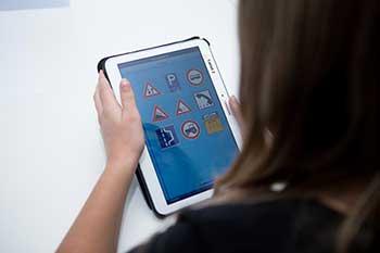 tablet theorieles nijmegen autorijschool johanBos